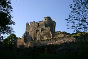 Hrad Michalovice - nejbližší hradní soused Zvířetic