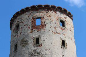 Detail věže s otiskem ciferníku zámeckých hodin